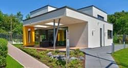 Modernes Designerhaus mit Garten