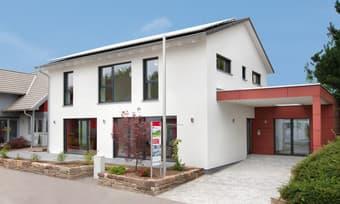 Eingangsbereich TALBAU-Haus Musterhaus Fellbach