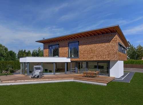 Holzhaus im großen Garten