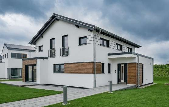 Einfamilienhaus mit Satteldach und Panorama-Cube