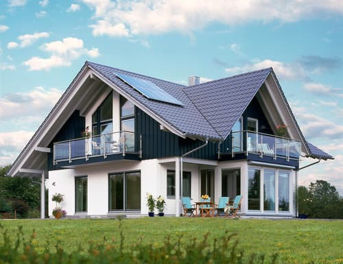 Klassisches Landhaus mit Satteldach