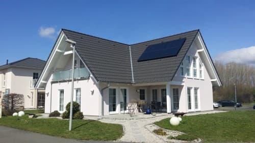 STREIF Musterhaus mit gemütlicher Terrasse
